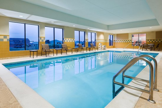 Hampton Inn and Suites Peoria at Grand Prairie: Pool
