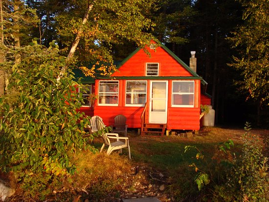 Greenville, ME: Lunker Lodge