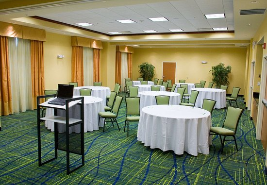 Westerville, OH : Carnation Meeting Room