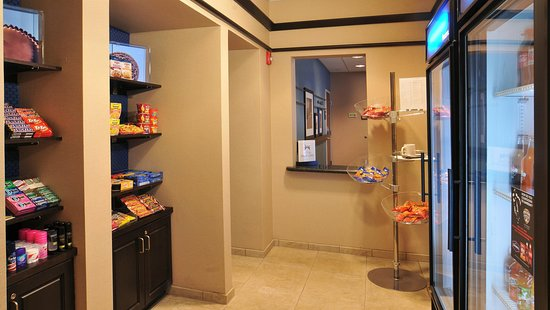Hampton Inn Gadsden / Attalla: Snack Shop