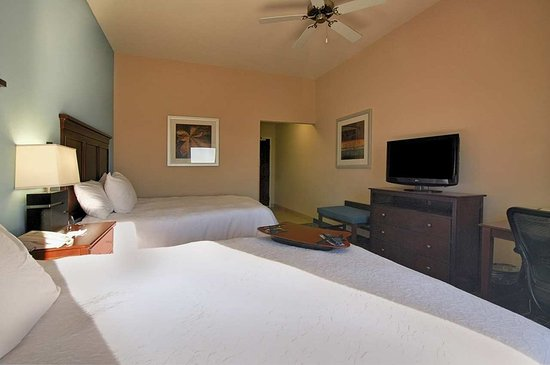 New Iberia, Luizjana: Two Queen Beds with HDTV