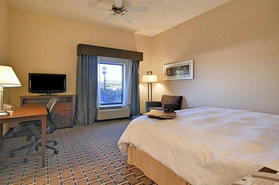 New Iberia, LA: King Room Work Desk & HDTV