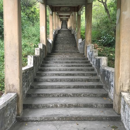 Enping, China: Walking up to the top of the Aofeng Mountain. Yellow dragon's tail