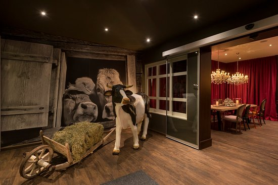 Waidring, Avusturya: Lobby at KUHOTEL by Rilano