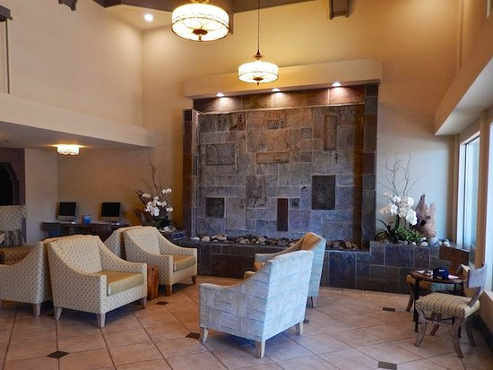 Best Western Plus Monterey Inn: Lobby With Water Feature: Back Wall Is A  Gentle
