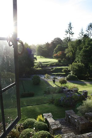 Gidleigh Park Hotel: Ask for this view from the front room. To die for.