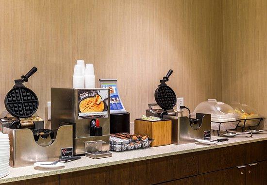 New Cumberland, Pensilvanya: Breakfast Buffet