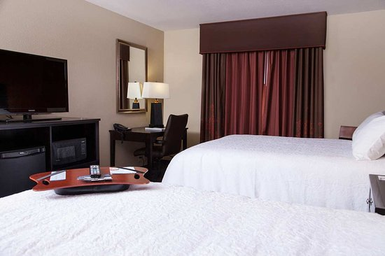 Hampton Inn & Suites Dickinson : Double Queen Bedroom