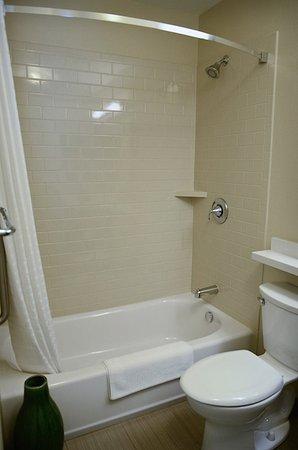 Denver - Brighton Guest Bathroom