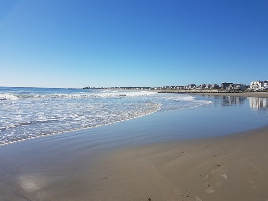 Rye, NH: A wonderful beach for a stroll by the ocean