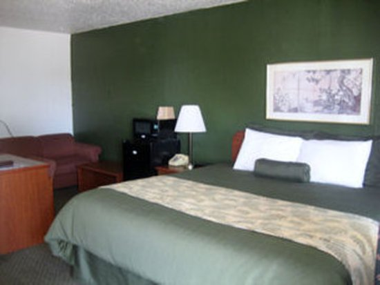 Oregon Motor Motel: King Room