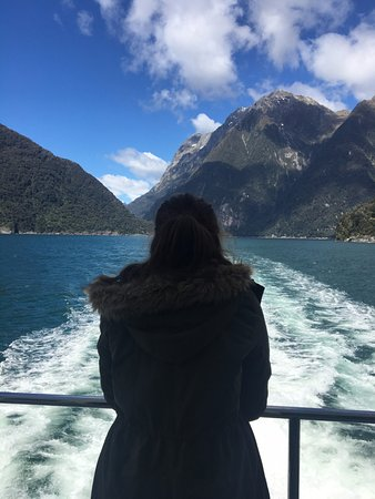 ‪كوينز تاون, نيوزيلندا: the view off the boat at Milford Sound‬