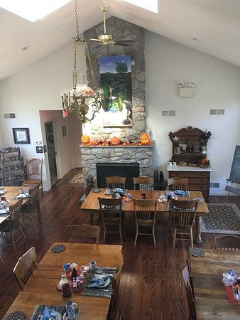 Hummelstown, Pensilvania: Breakfast room, Horse's and morning sunrise