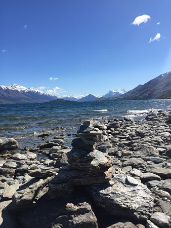Queenstown, New Zealand: One of the many stops on our way to Glenorchy - Lake Wakatipu