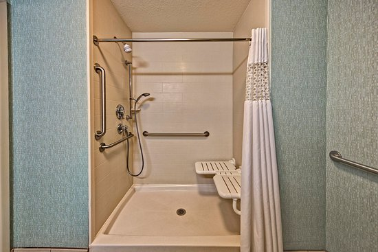 Belton, MO: Accessible roll-in shower