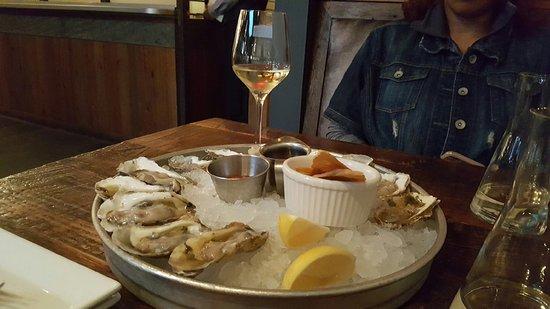 BlackSalt Fish Market & Restaurant: photo0.jpg
