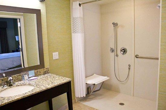 Gulf Breeze, Floride : Roll-in Shower