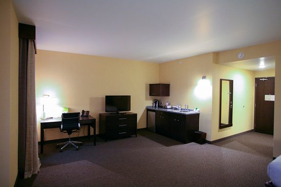 Bemidji, MN: 2 QUEEN BEDS STUDIO SUITE-CITY VIEW