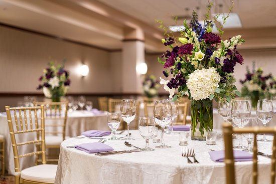 Brisbane, CA: Weddings and Events