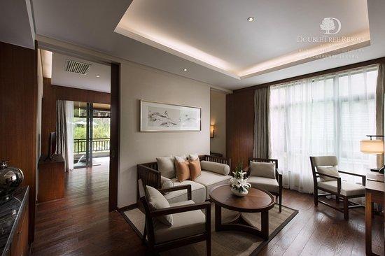 Baoting County, Cina: Two Room Suite bedroom