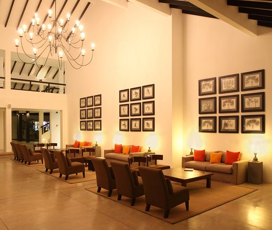 AVANI Bentota Resort & Spa: Main Lobby 2