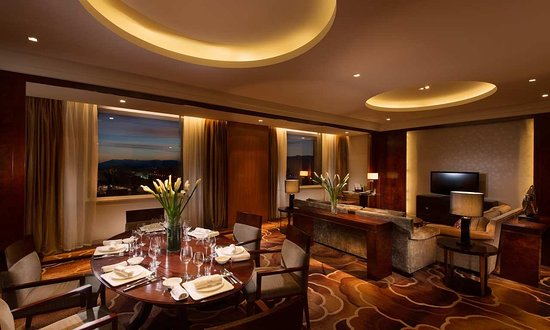 Golmud, China: King One Bedroom Deluxe Suite - Lounge Access