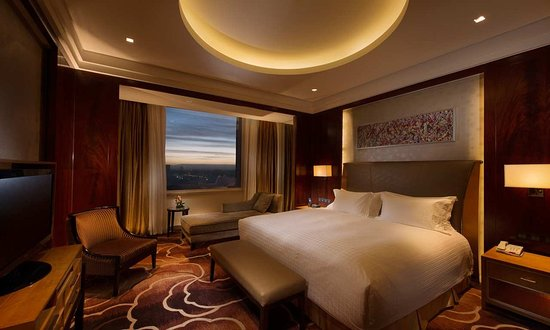 Golmud, China: King One Bedroom Deluxe Suit- Lounge Access
