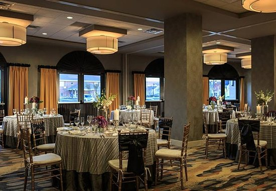 Lansdale, Pensilvania: The Forum Ballroom – Wedding Setup