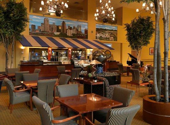 DoubleTree by Hilton Hotel Dallas - Love Field: Hotel Lobby