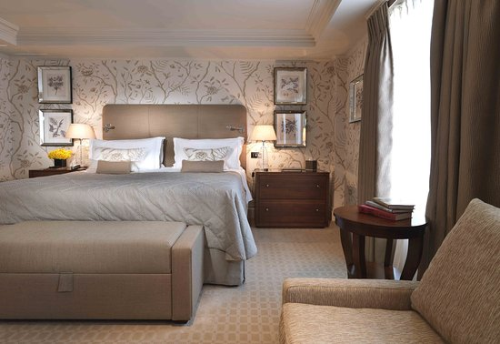 The Stafford London: Mews Master Suite