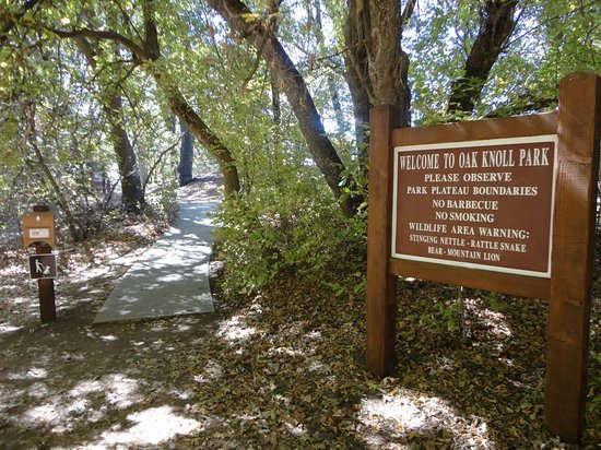 Oak Glen, CA: Trailhead in the picnic area