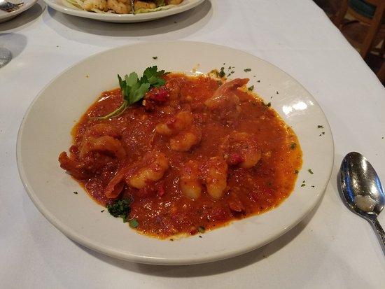 Lynbrook, Nova York: Shrimp Fra Diavolo Sauce...extra caliente/diablo to fire up some taste buds!