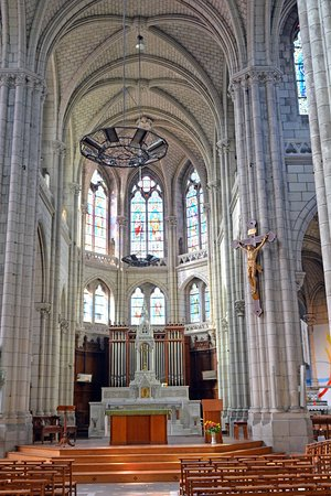 Erbray, France : The cathedral in Chateaubriant