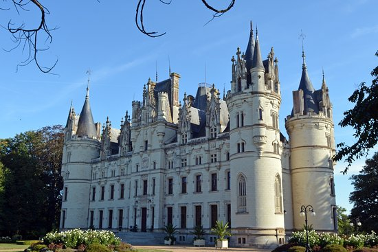 Erbray, France : The Chateau de Challain