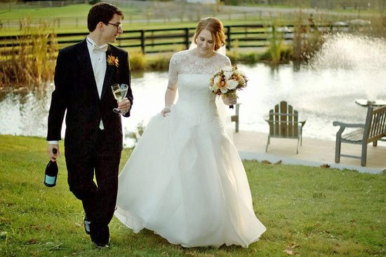 Granville, OH: Autumn Wedding at The Inn