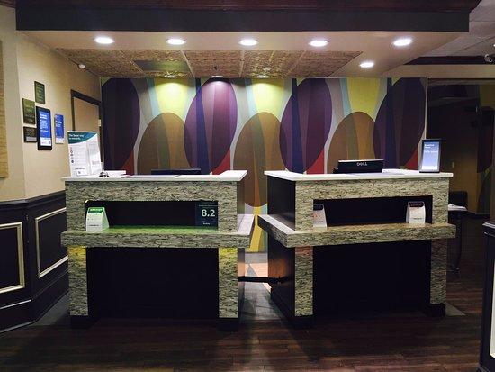 Comfort Inn Blythewood: Front Desk Lobby