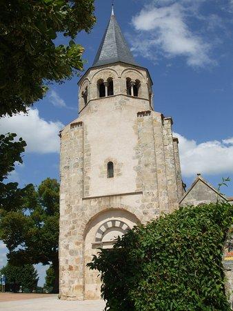 Cognat-Lyonne, Francia: église sainte-radegonde