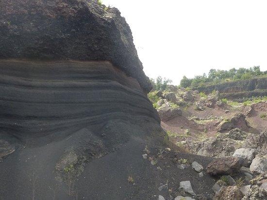 Volcan De Lemptegy Les Differentes Couches