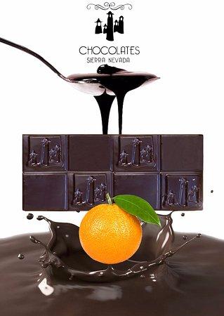Pitres, Испания: Delicioso chocolate puro belga con naranja