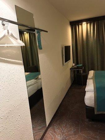 Motel One Hamburg Airport: photo1.jpg