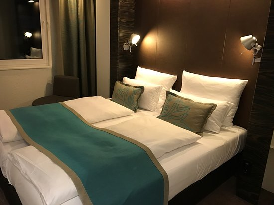 Motel One Hamburg Airport: photo5.jpg