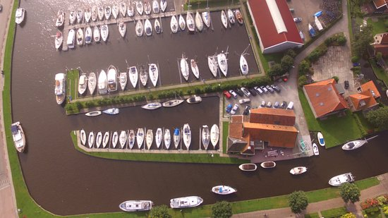 Workum, Belanda: luchtfoto De Haan Watersport