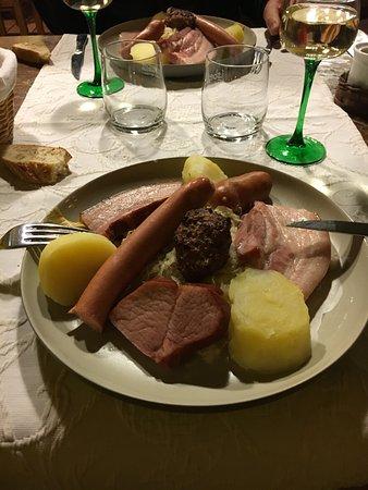 Gueberschwihr, فرنسا: merveilleuse choucroute