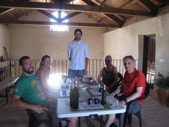Casabermeja, Spanien: Al final de la visita: degustación de aceites. Lo que he aprendido de sabores y aromas :-)