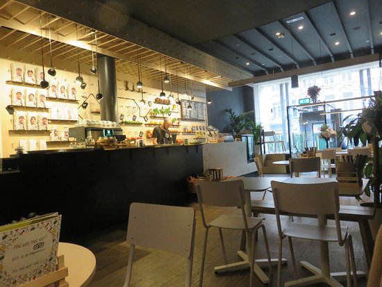 Bar & Interieur SAP Bagels & Juices - Bild von SAP Bagel & Juice Bar ...