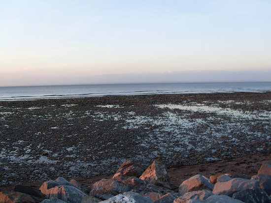 Watchet, UK: Doniford Bay withe the tide out.