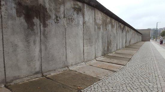 Monument van de berlijnse muur foto van monument van de berlijnse muur berlijn tripadvisor - Muur van de ingang ...
