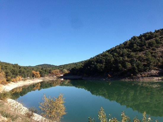 Le Barroux, France: Lac du Paty - 2km de la maison