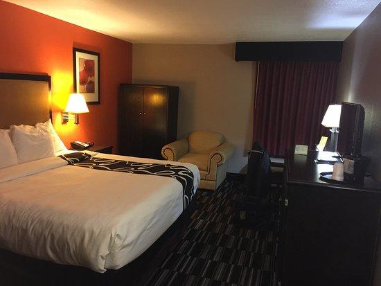 La Quinta Inn & Suites Memphis Airport Graceland: photo3.jpg