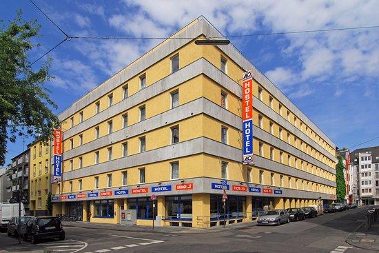 A&O Cologne Neumarkt: Facade